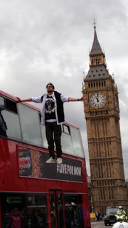 Dynamo Rides London Bus With Magic