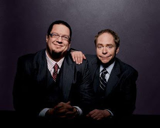 How Penn and Teller use Social media and smartphones