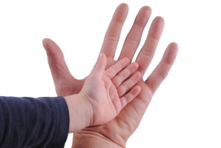Magicians with small hands